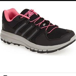Duramo Cross Trail running shoe pink/black Size 10